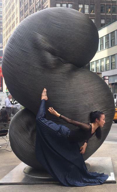 台灣舞蹈家紐約演出 與鋼纜雕塑擦出火花