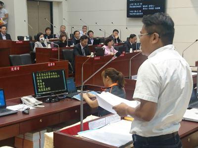 竹市議會首例 聽障議員使用同步聽打質詢