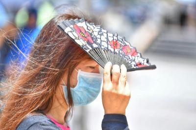 全台悶熱高溫上看35度 6月初鋒面報到北台灣變舒適