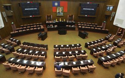 立院19日處理軍改案 藍綠皆甲動備戰