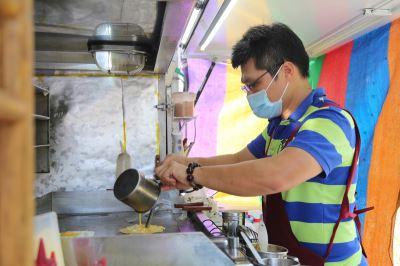 兄弟棄高薪轉戰餐車 堅持簡單食材吃健康