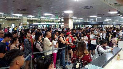 收假澎湖機場旅客暴增 增開包機疏運