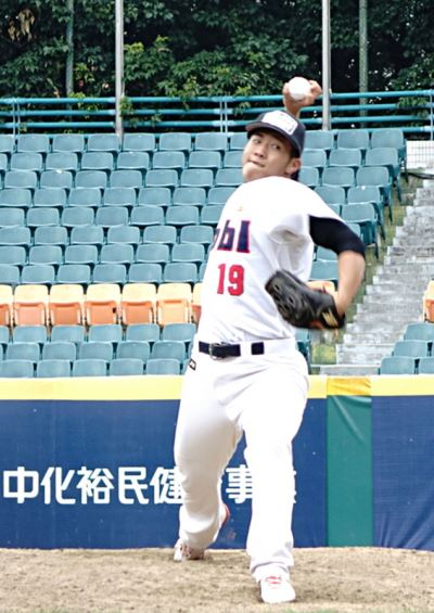 蝴蝶球投手蔡易廷测试会飙4K 许圣杰:很蝴蝶