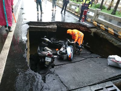 台南地下道坍方下陷 3機車騎士受傷