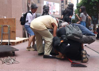 劉曉波銅像搬移 泛民派嘆香港容不下劉曉波