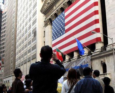 憂美中爆貿易戰 美股收低道瓊大跌287點