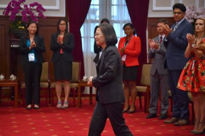 蔡總統:打壓力道越大 台灣走出去的決心更強