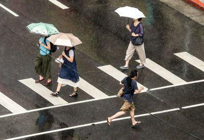 西南風持續影響 南部雨不停北部局部短暫陣雨