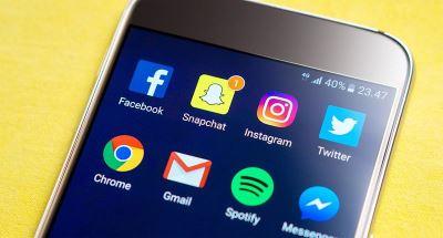 臉書魅力漸失 年輕人更愛Instagram和Snapchat