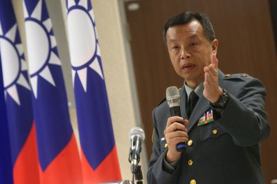 共軍護衛艦繞行台灣東部外海 國防部:全程監偵