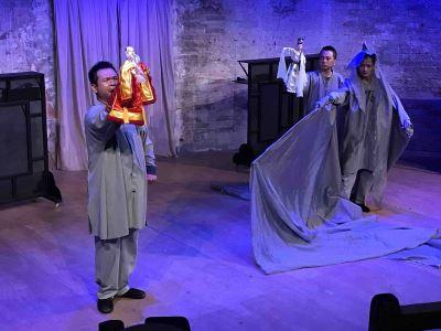 真快乐掌中剧团登台亚维侬 赋予孟婆现代观