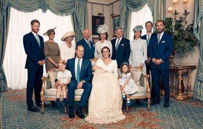 英王室公布全家福 威廉一家5口首次同框