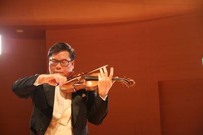 首張心靈音樂專輯 蘇顯達小提琴訴花情