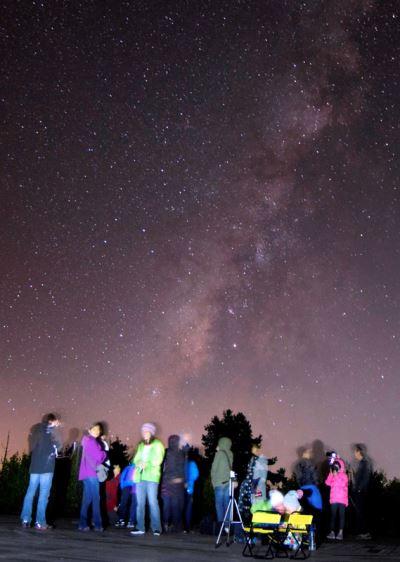 英仙座流星雨將報到 親子可上阿里山觀星