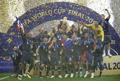 法国4比2胜克罗埃西亚 睽违20年夺世足队史第2冠