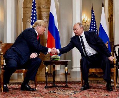 川普對俄好友善 賣國賊成美國熱搜字