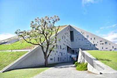像本打開的書 台東大學圖書館獲卓越建設獎