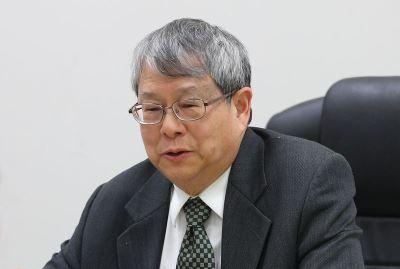 迴避查諷扁案 陳師孟:接辦監委頭殼抱著燒