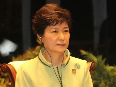 朴槿惠收賄案宣判 再遭判8年徒刑