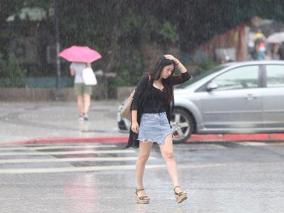 安比颱風加午後對流 17縣市大雨特報