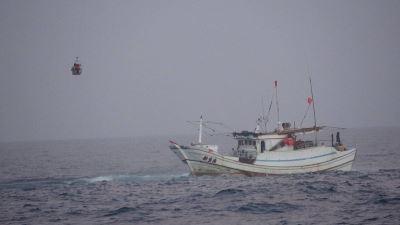 澎湖籍漁船草嶼擱淺 4名船員平安獲救
