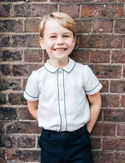 乔治王子5岁生日 英王室公开新照