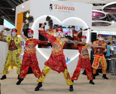 台灣街舞團尬舞  星國旅展台灣館超吸睛