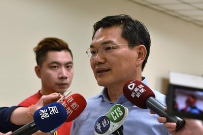 吳益政宣布退選高雄市長  藍綠同表尊重