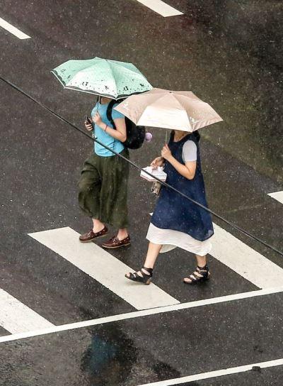 颱風西馬隆形成 西南風影響中南部整天有雨