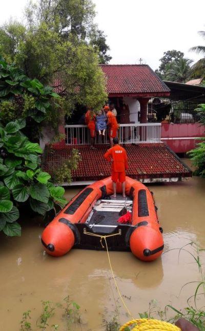 印度雨季洪災逾410死 超過百萬人流離失所