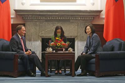 蔡總統接見猶他州長  盼借鏡產業與國際招商經驗
