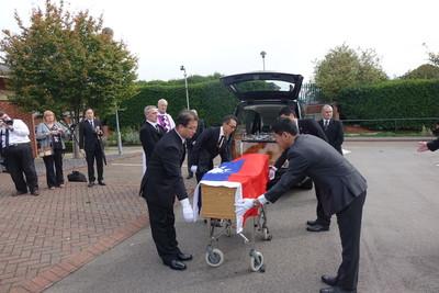 中華民國國旗覆棺 英國二戰老兵完成遺願