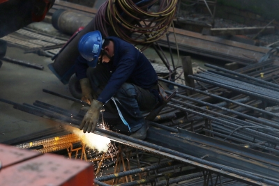 勞保費率108年調漲0.5% 1027萬名勞工受影響