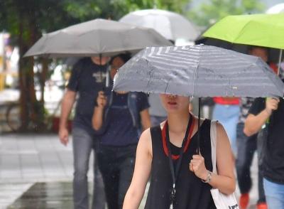 對流旺盛 氣象局發布12縣市大雨特報