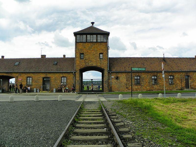 二戰期間,納粹在奧斯威辛集中營(圖)殺害30萬人。(圖取自維基共享資源,屬於公共領域)