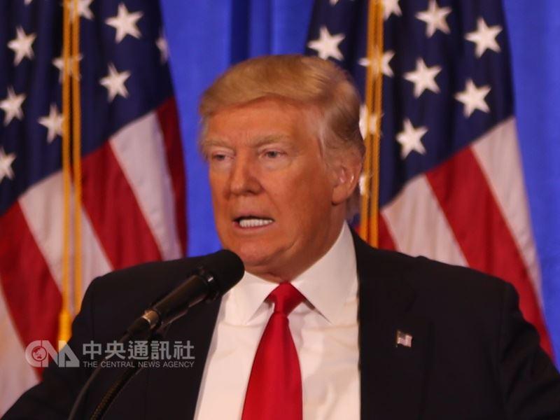原本外界多預期,美國總統川普會選擇讓台灣旅行法「自動生效」,然而,白宮最後決定以「總統簽名」的方式,讓台灣旅行法成為法律。(中央社檔案照片)