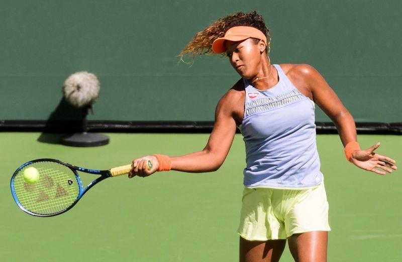 大坂直美18日成為首位贏得印地安泉網賽的日本選手,也是她生涯第一座WTA巡迴賽金盃。(共同社提供)