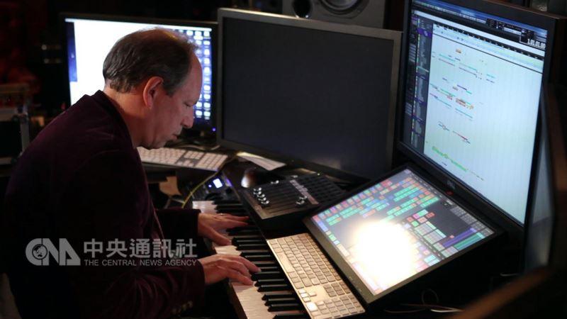 電影配樂家漢斯季默(圖)近期不僅跨界和歌手林俊傑合作,也在歐美舉辦音樂會,帶著樂團演出他為電影寫的配樂,讓他寫的旋律不再只是配角。(翻面映畫提供)中央社記者鄭景雯傳真 107年3月20日