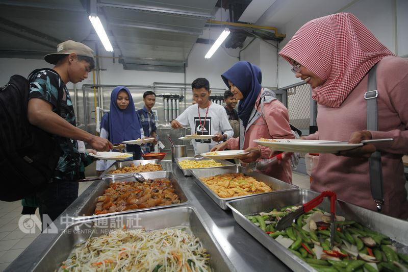 育達科技大學為兼顧穆斯林學生信仰需要,特別設立專屬祈禱室及友善廚房,積極營造友善校園環境,尊重穆斯林學生需求。(育達科技大學提供)中央社記者管瑞平傳真  107年3月21日