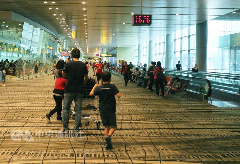 英國一家獨立調查機構21日公布2018全球最佳機場排名,新加坡樟宜機場再度奪冠,連續6年拿下第一。(中央社檔案照片)