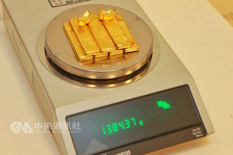 不諳申報規定  旅客攜帶黃金出境遭暫扣