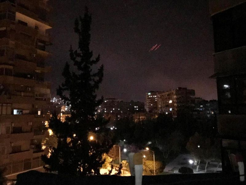 俄羅斯14日指出,西方聯軍對敘利亞發射103枚巡弋飛彈,其中71枚遭敘國防空系統成功攔截。(路透社提供)