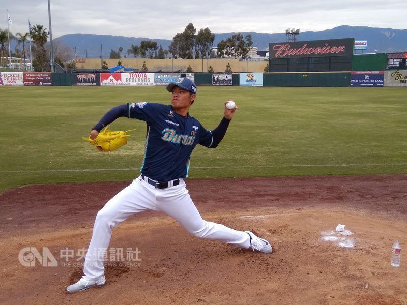 台灣投手王維中17日先發,客場對耐克森英雄隊,扛下替球隊止敗任務。(中央社檔案照片)