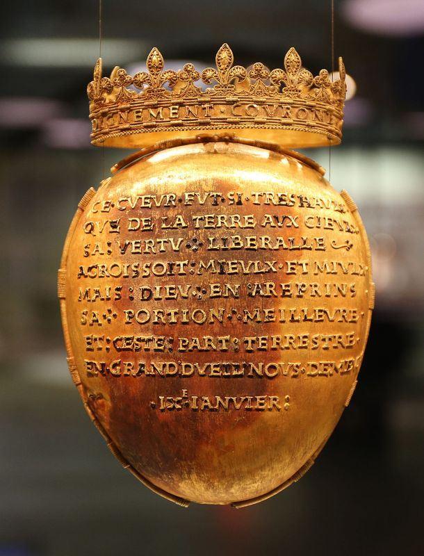 16世紀的法國王后「不列塔尼的安妮」的心臟裝在黃金聖物盒裡,由博物館收藏,但近日遭竊。(圖取自維基共享資源,屬於公共領域)