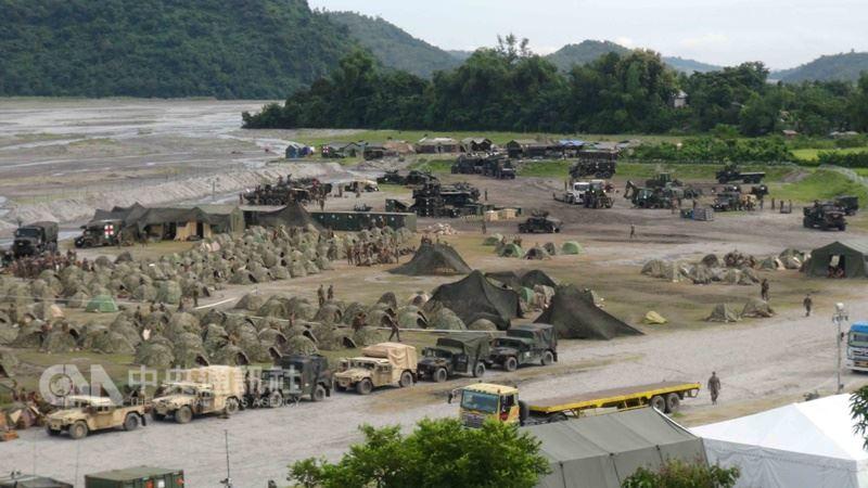 一年一度的菲美肩並肩聯合軍事演習,將於5月7日在菲律賓北部登場。圖為2016年演習情形。(中央社檔案照片)