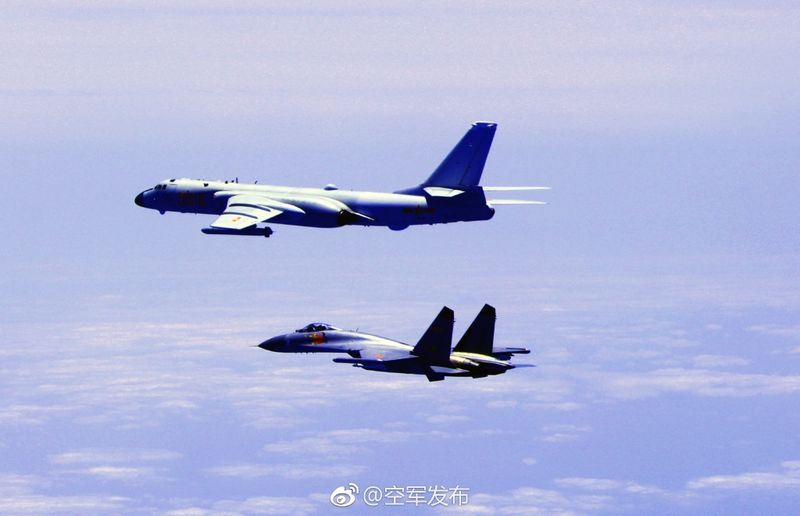 中國空軍發布在微博發布消息,指稱對台「繞島巡航」。(取自空軍發布微博 www.weibo.com)