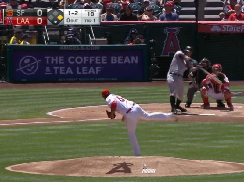 美國職棒大聯盟洛杉磯天使隊22日迎戰舊金山巨人隊。巨人打者白爾特首打席即與天使投手巴利亞纏鬥整整21球,刷新大聯盟投打纏鬥最多用球數紀錄。(圖取自MLB YouTube網頁)