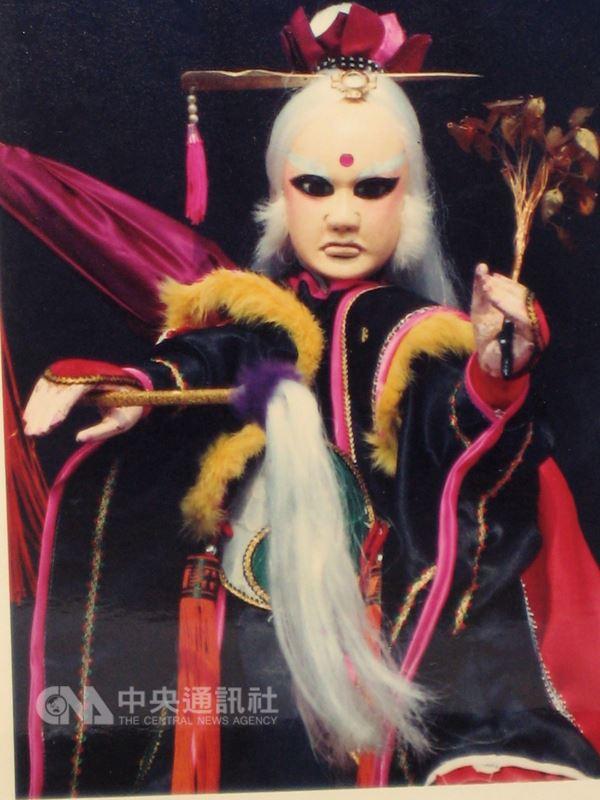 1988年4月「清香白蓮素還真」在霹靂布袋戲的「霹靂金光」劇集登場,從此開啟霹靂新紀元。(霹靂公司提供)中央社記者葉子綱傳真 107年4月25日