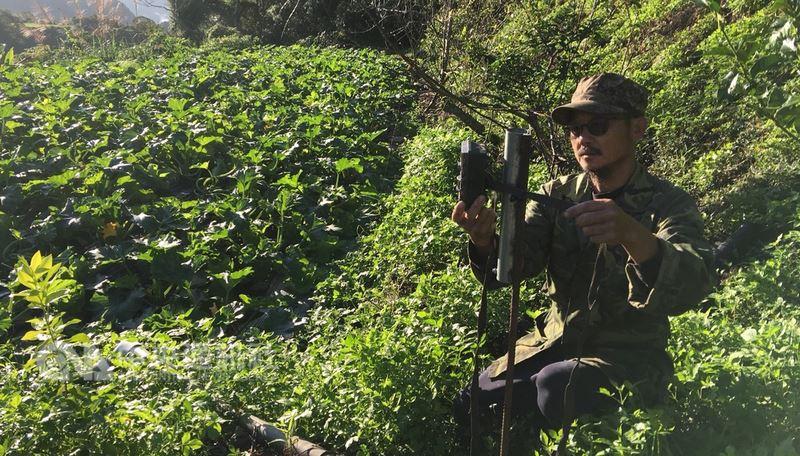 西寶新心向榮有機農場主人張榮城,在實行生態友善農法後,對野生動物的動態也產生濃厚興趣,還自己架設自動相機,捕捉他們的影像。(張榮城提供)中央社記者李欣穎傳真 107年5月1日