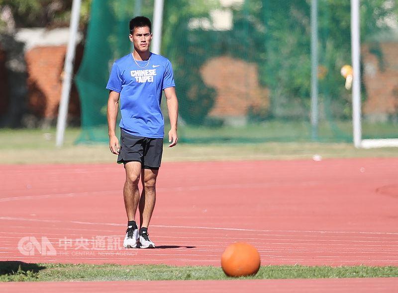 台灣100、200公尺雙料全國紀錄保持人、「台灣最速男」楊俊瀚,將在月底台灣國際田徑公開賽參戰100公尺,他開玩笑地說:「希望能跑進10秒內。」中央社記者張新偉攝 107年5月15日